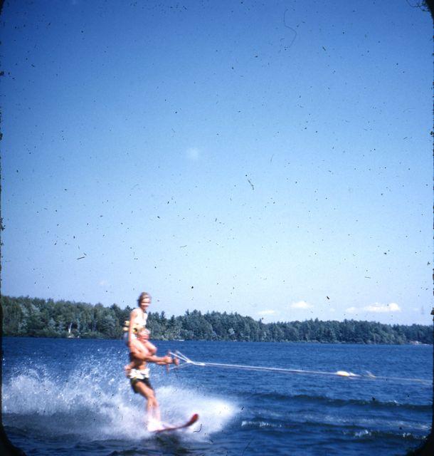 1960 Pat on Daves shoulders
